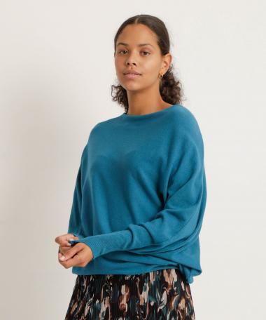 Fijngebreide trui met vleermuismouwen